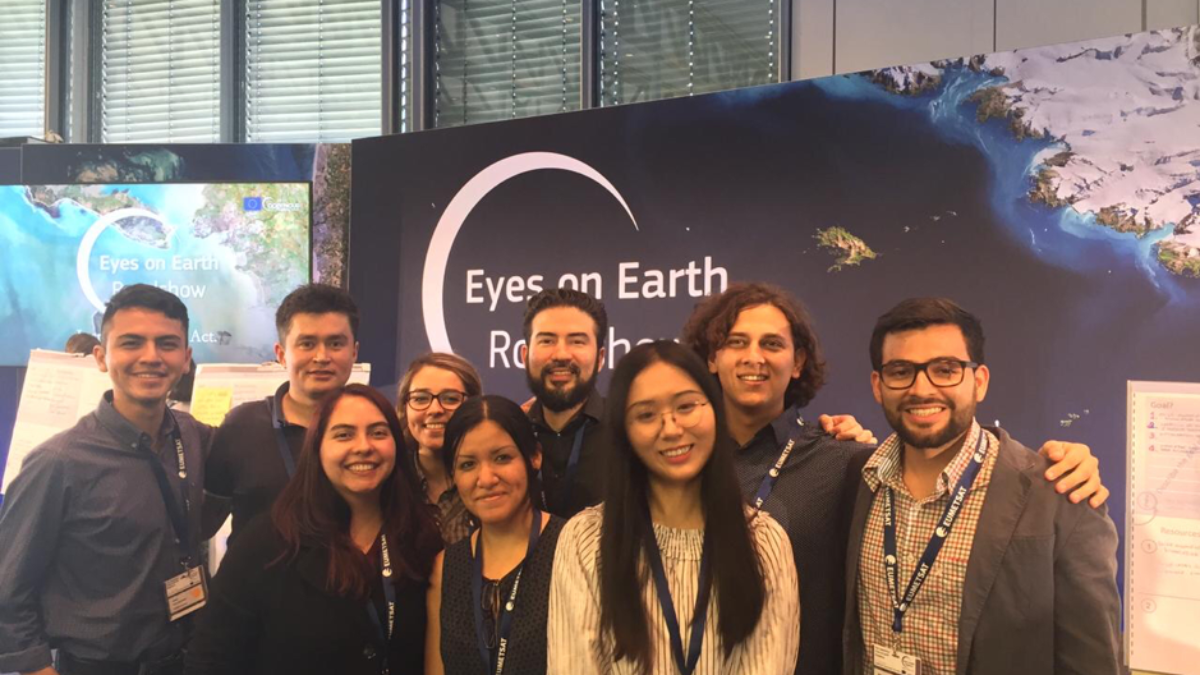 M.Sc. WASTE Students at Eyes on Earth Roadshow 2019 (c) Grecia Solís